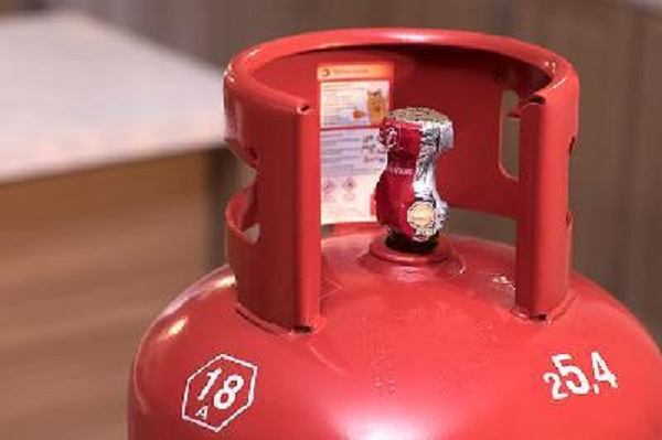 Nhận biết bình gas giả qua hạn sử dụng